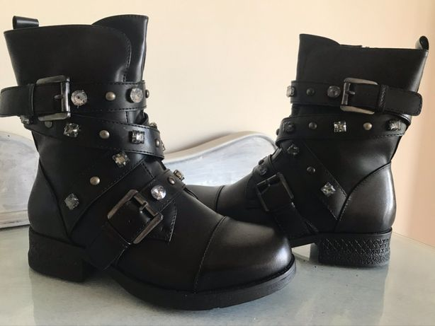 várias botas calçado 37 só 20€