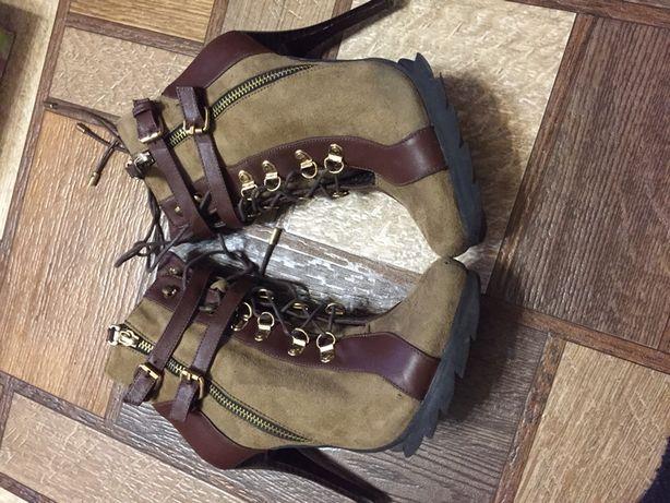 Ботинки замшевые