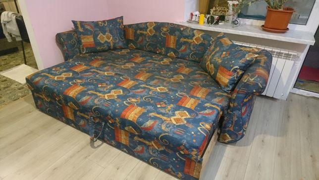 Продам диван-кровать срочно !