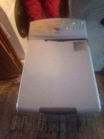 стиральная машинка, пральна машинка.