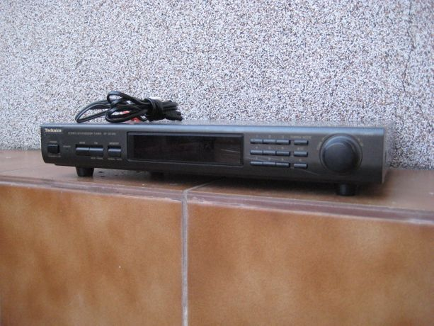 ST-GT350 (ST-GT550) Technics Stereo Synthesizer Tuner Radio