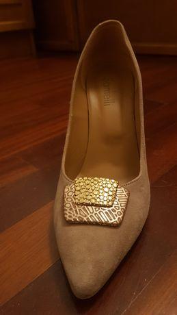 Sapatos cerimonia nude camurça