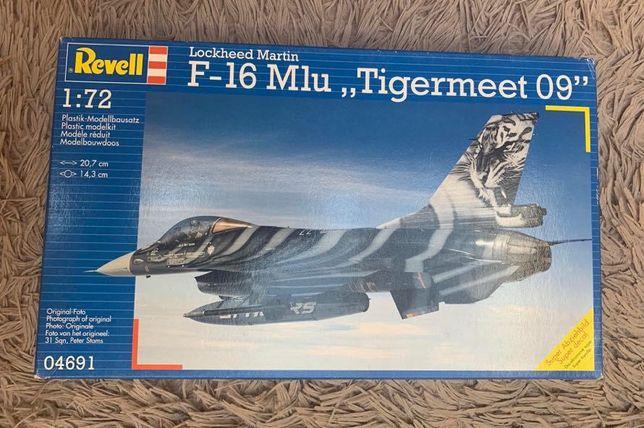 "Model do sklejania F16 Lockheed Martin F-16 Mlu ""Tigermeet 09"""
