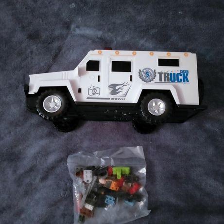 Машинка сейф копилка с конструктором Лего.собираеся сверху машинки .