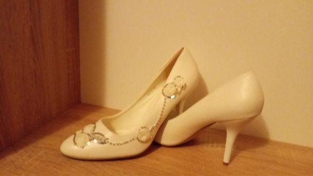 Туфлі нареченої, весільні.