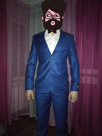 Продам весільний костюм