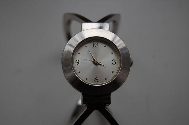 Damski zegarek LBVYR. Nieużywany.