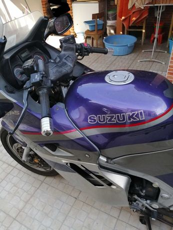 suzuki GSXF 1100