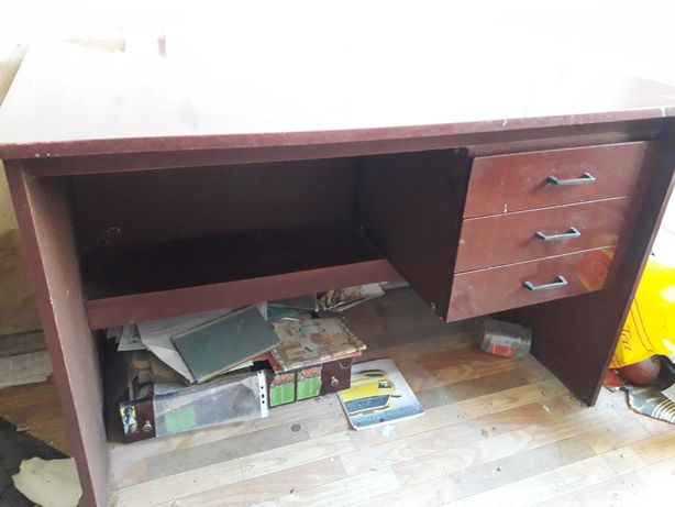 Продам письменный стол