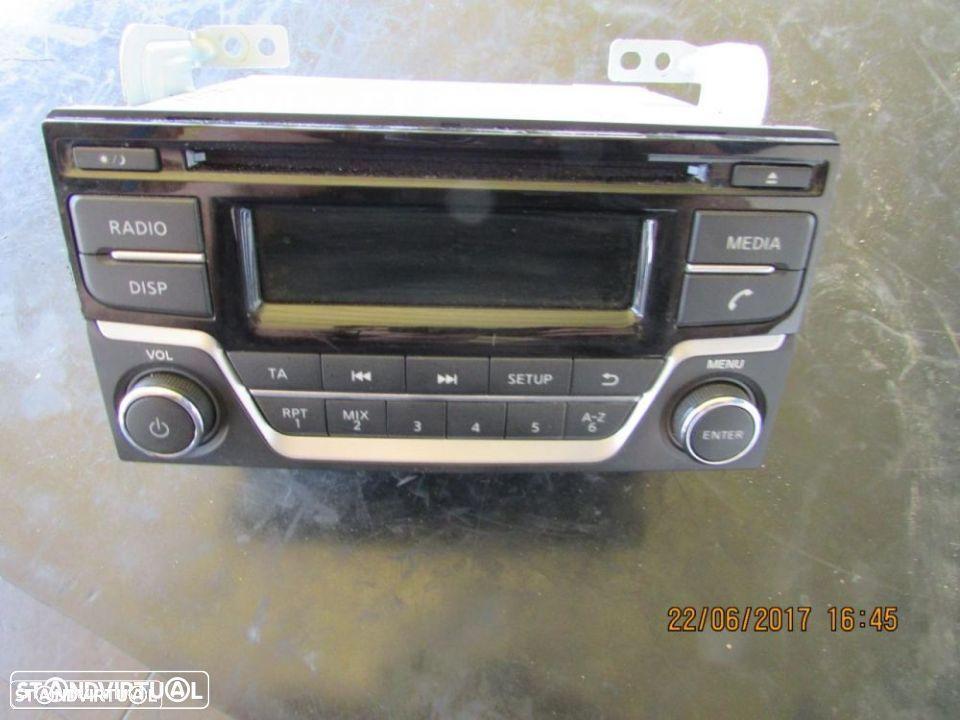 Auto-Rádio / Rádio Nissan Juke do ano 2015