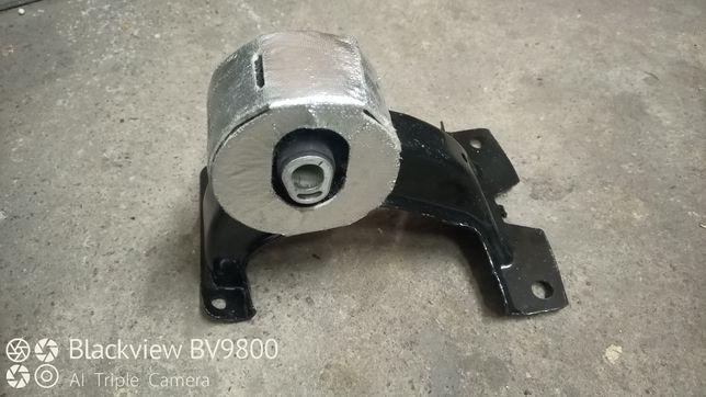 Задняя опора двигателя додж джорни 3.6л AVD