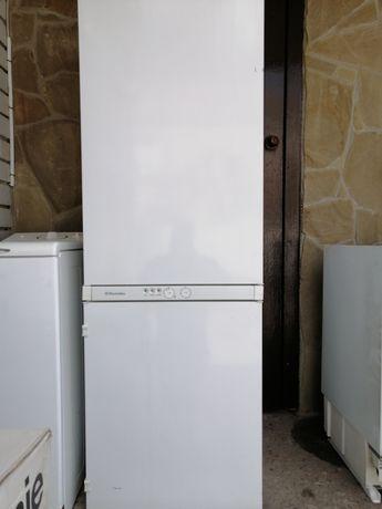 Продам встраиваемый холодильник. Бу