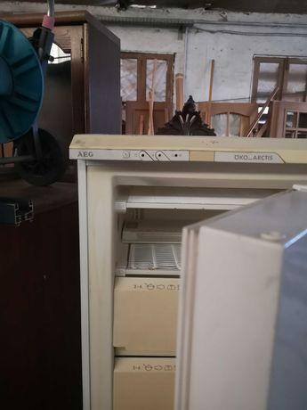 Venda de arca vertical  ar condicionado e esquentador em bom estado