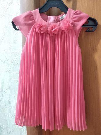 Нарядное платье на девочку 12-18мес
