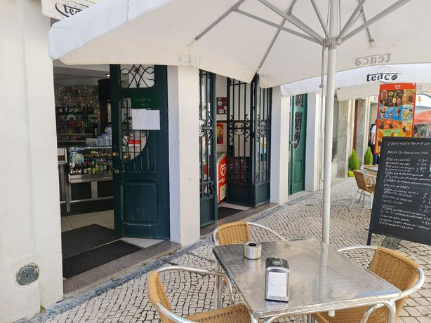 Trespasse snake bar restaurante centro Aveiro