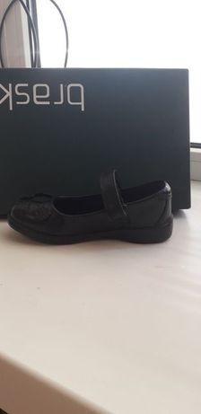 Фирменные туфли, новые,р.28