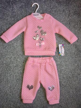 Костюмчик на дівчинку 3-6 місяців