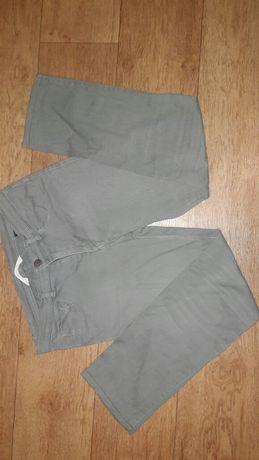 128-134 размер H&M легкие летние джинсы на мальчика.