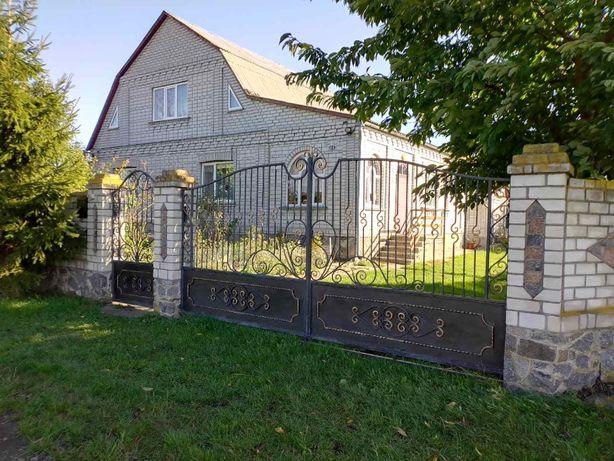 Продам дом с. Махнівка (Комсомольское) ТОРГ