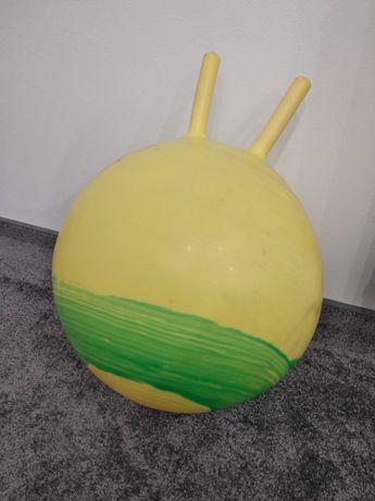 Piłka z rogami do skakania