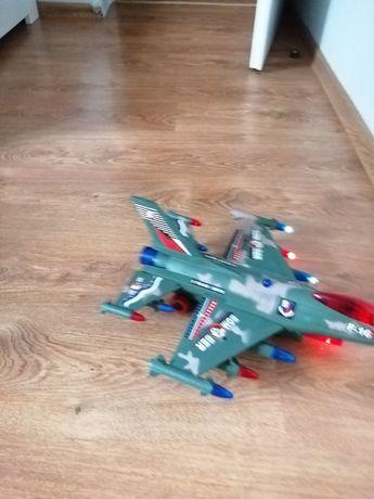 Samolot zabawka duży, jeździ, świeci