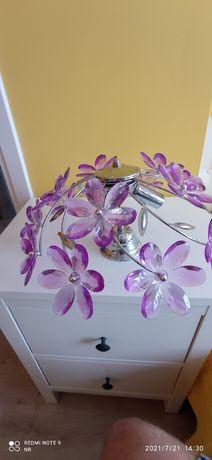 Lampa - żyrandol z fioletowymi kwiatami