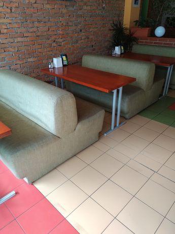 Распродажа. Столы в кафе