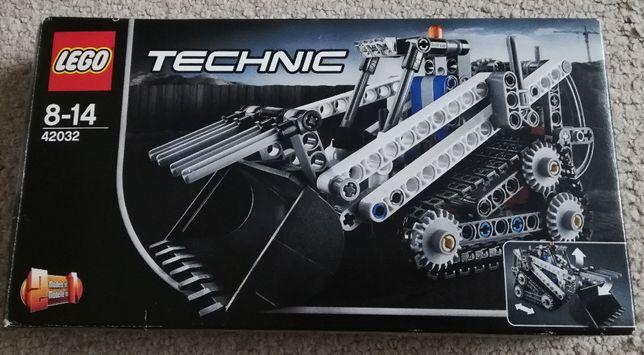 Lego technic - mała ładowarka gąsienicowa.