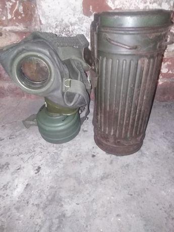 Puszka z maską  Niemiecka 2 wojna oryginał 1942 r
