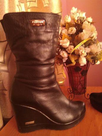 Шкіряні чоботи 36 розмір