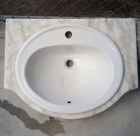 Lavatório de mãos e pedra mármore