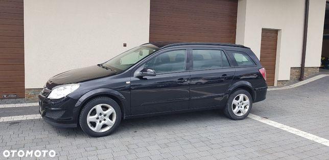 Opel Astra 1,7 Cdti, Njoy, duża nawi, 4xszyby, rej. PL po małej stłuczce