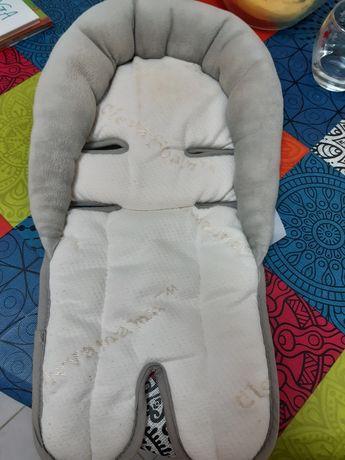 Redutor de bebé  para cadeira