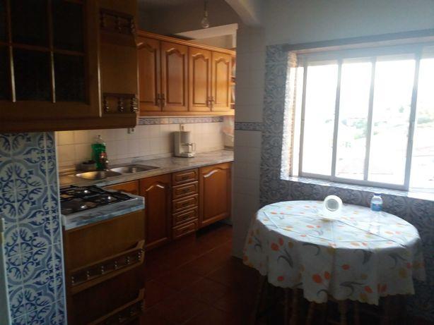 Alugo apartamento T2 no centro de Chaves.