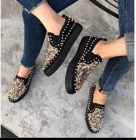 Взуття 24,5 см .