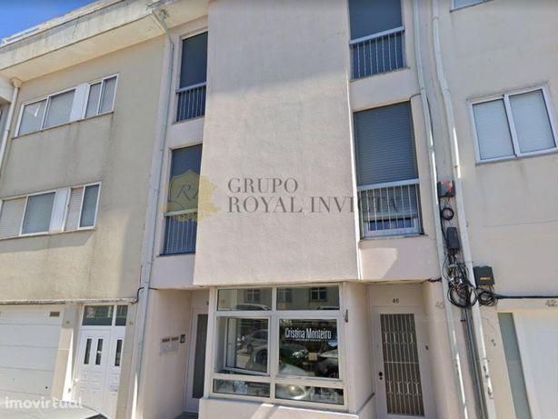 Apartamento T2 na Rua do Quanza, Porto