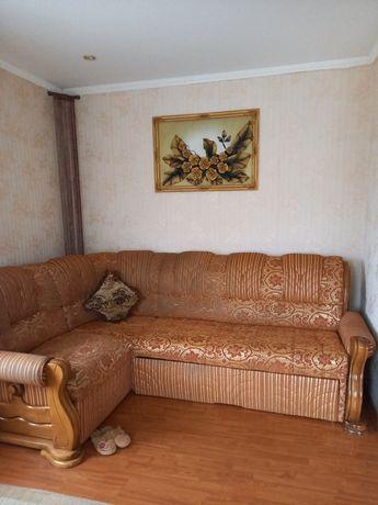Продам угловой диван .