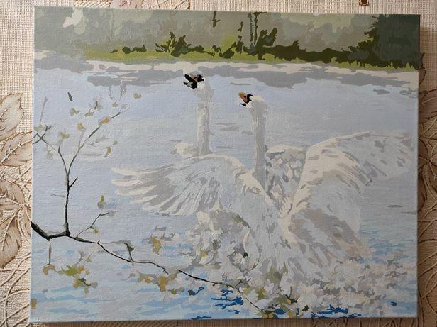 Продам картину Лебедей