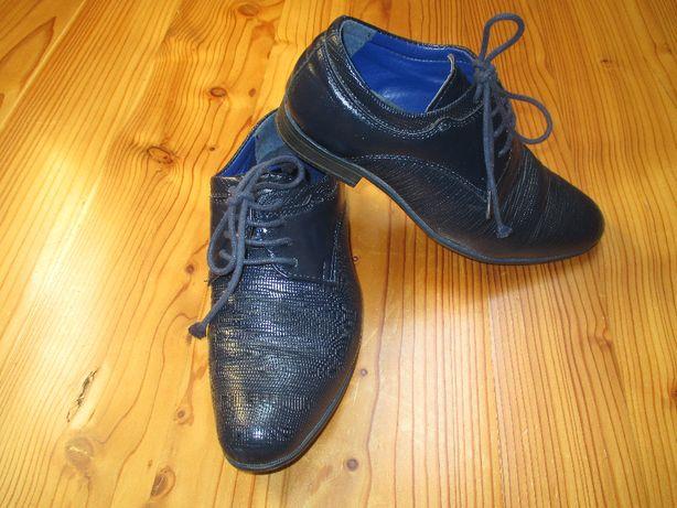 dziecięce buty do garnituru 32- granatowe