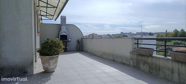 ApartamentoT3 com terraço em S. João da Madeira