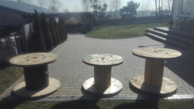 Szpule stoliki stolik