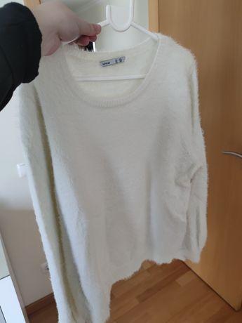 Camisola branca com pêlo