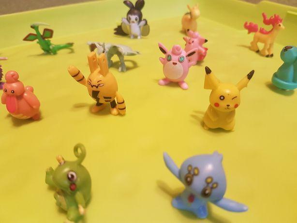 Figurki Pokemon :zestaw 24 Pokemonów.