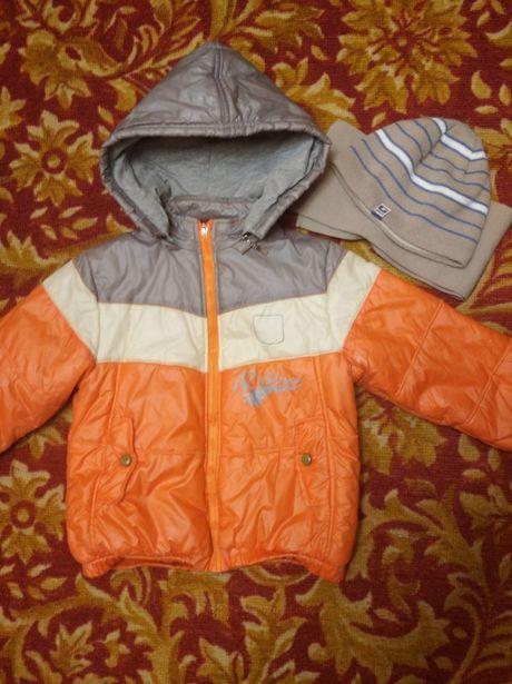 Куртка и комплект шапка и шарф демисезонная на мальчика 6-7 лет