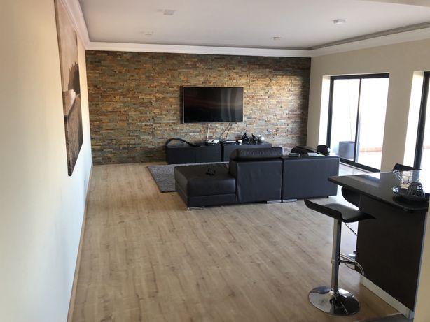 Apartamento T2 mobilado , climatizado  com despezaa incliuidas
