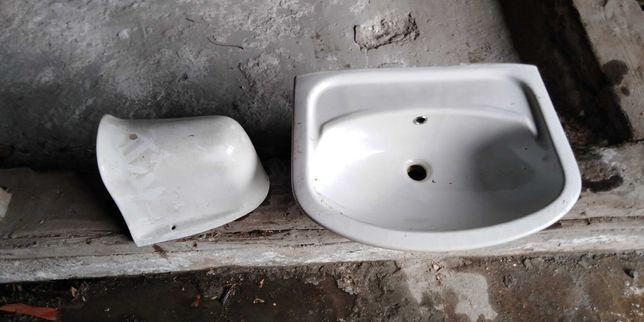 Oddam dwie umywalki