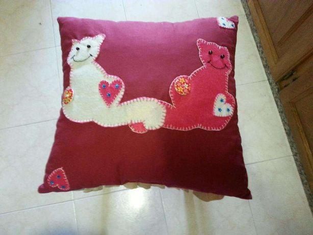 Almofada de gatos