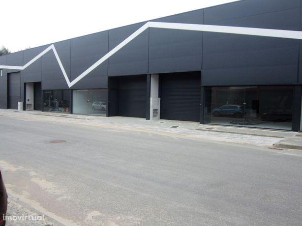 Pavilhão na Zona Industrial de Esposende