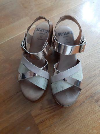 Sandálias 35 como novas