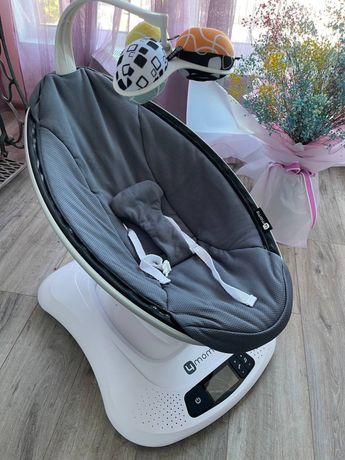 Укачивающий центр (кресло качалка) mamaRoo 4.0